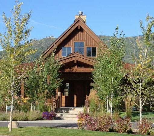 The lodge exterior alpine mountain ranch for The alpine lodge