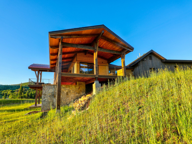 Alpine Mountain Ranch Club Lot 18 DSLR Ground Exterior 12 scaled 640x480 c - Homesite #18: SUNSET RETREAT - SOLD