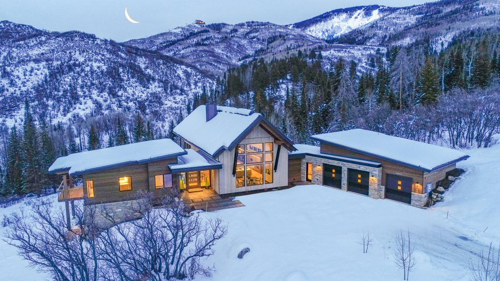 Alpine Mountain Ranch Property Twilight Drone 30 1024x576 - Unforgettable Experiences Await At Steamboat's AMRC