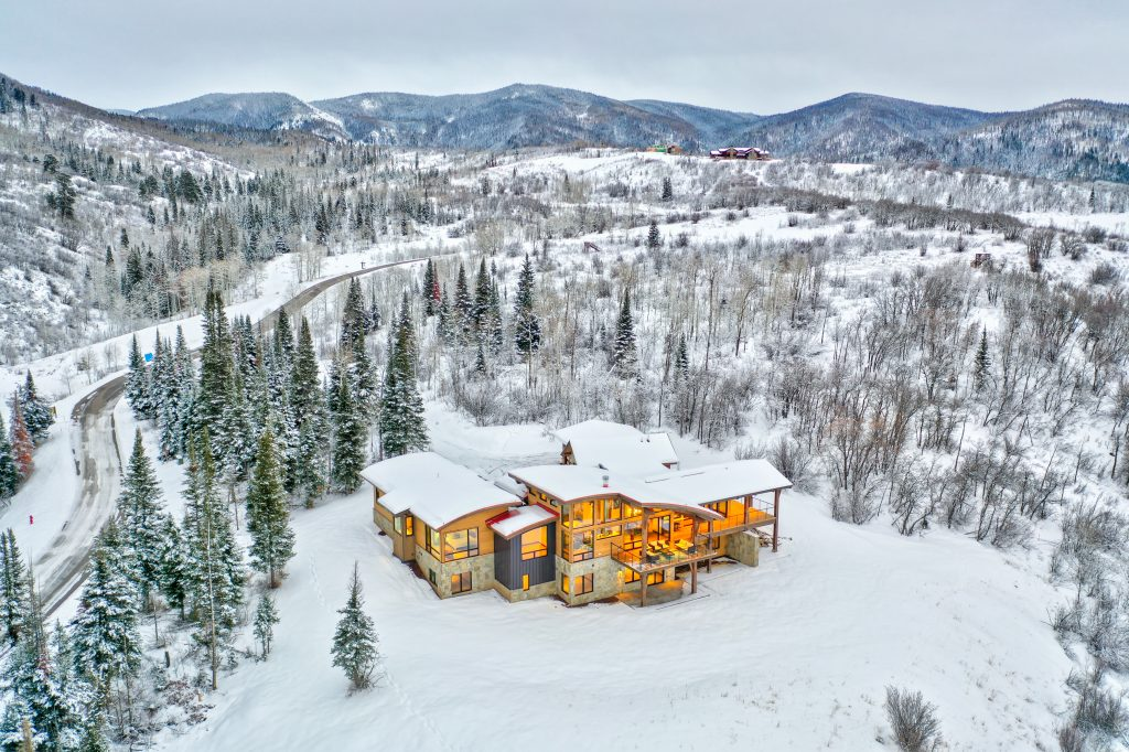Lot 18 Alpine 8 1 1024x682 - Sunset Retreat Brings Best of Colorado Mountain Living to Your Doorstep